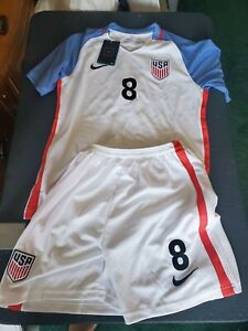 NWT Nike clint Dempsey #8 USA National Home Jersey & Shorts Youth Size 28