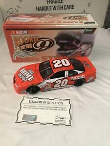 2000 ACTION 1/18 TONY STEWART #18 HOME DEPOT NASCAR CUP ROOKIE OF THE YEAR