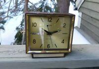 Vintage Elgin Alarm Calendar  Wind-Up Desk Alarm  Clock Shows Month Day & Date