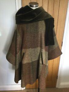 Avoca Ireland vintage 100% handwoven wool cape. Greens, rust, brown mix. Scarf.
