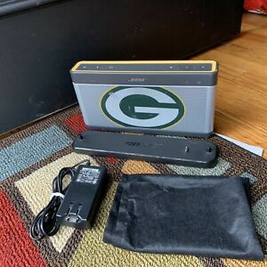 Special Addition Bose Soundlink III Green Bay Packers III with charging cradle
