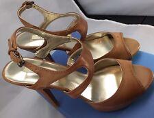 NIB Simply Vera Wang State Peep Toe Slingback Tan Leather High Heel Sandals 9