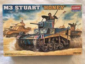 """Academy 1/35 M3 Stuart """"Honey"""" w/Detailed Interior plastic model kit 13270"""