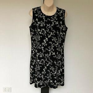 'TARGET' EC SIZE '12' BLACK WITH RAISED WHITE FLORAL PRINT SLEEVELESS DRESS