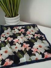 Bnwt Ted Baker Sofest Blumendruck 100% silk pocket square Taschentuch Hankie