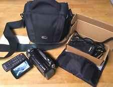 Panasonic HDC-HS20 Full HD 80gb/ Internal SD Camcorder/Video Camera / Bundle