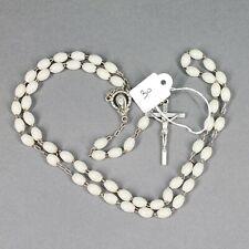 chapelet ancien fait de petites perles ovales synthétiques