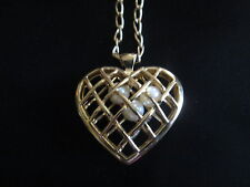 "VINTAGE AVON CAPTURE YOUR HEART PENDANT 30"" LONG 1992 **NEW IN BOX**. Rare"