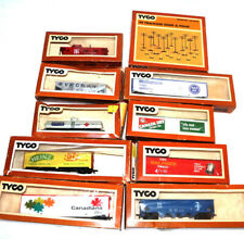 Tyco Vintage HO Scale Railroad Trains Freight Cars Lot