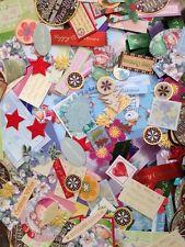 Lucky Dip Paquete De 50 Surtido Craft Cardmaking Adornos Y Toppers