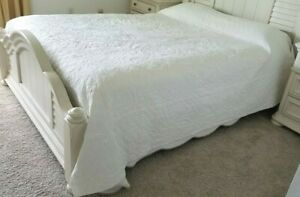 """Vintage Quilt Hand Quilted Cut-out Embroidery 88 x 94"""" White Cotton Very Nice"""