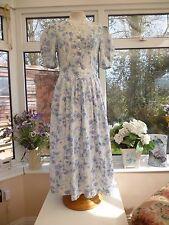 Impresionante cosecha * Laura Ashley * Azul y Blanca Escote Encaje Floral Vestido SZ 8