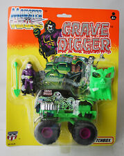 RARE VINTAGE 1993 MATCHBOX MONSTER WARS GRAVE DIGGER FIGURE HOT ROD 4X4 NEW !