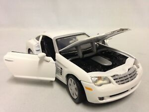 """2003 Chrysler Crossfire Collectibles 1:24 Scale 7"""" Diecast By MotorMax Toy White"""