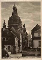 DRESDEN Sachsen Postkarte ~1930/40 Blick nach der Frauenkirche u. Rathaus Turm