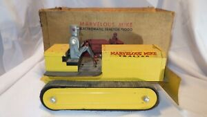 ORIGINAL 1950'S-60'S SAUNDERS MARVELOUS MIKE TRACTOR ROBOT DRIVER & BOX - WORKS