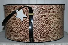 SCARCE WEIGHTY ANTIQUE  COCOA REPTILE PRINT WALLPAPER ROUND HAT BOX VINYL STRAP