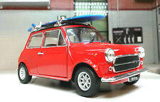 Morris mini Cooper 1300 1974 rojo con tabla de surf coche a escala 1 24 / Welly