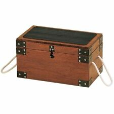 Contenitori e scatole di legno marrone per la casa
