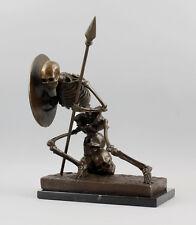 Bronze-Figur Skelett-Krieger mit Schild u. Speer neuzeitlich 9937546-dss