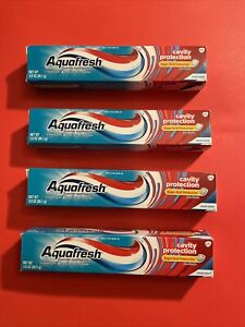 LOTS OF 4 Aquafresh Cavity Protection Fluoride Toothpaste, Cool Mint,3.0oz 12/22