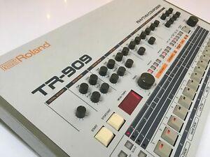 Roland TR-909 Rhythm Composer Analog Drum Machine (excellent condition)