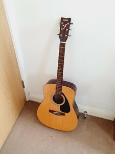Yamaha Acoustic Guitar F310