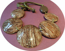 Five wood effect disc Necklace