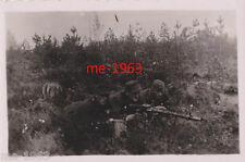 original  Foto   LW Luftwaffe Soldaten im Erdkampf mit MG