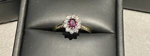 18ct Yellow Gold Ruby and Diamond Ring approx 0.50ct