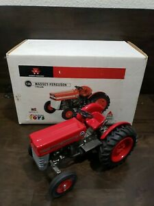 Scale Models - Massey Ferguson 135 Tractor Die-Cast Made in USA  1/16 FT-0813
