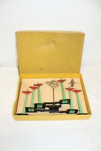 Lionel 071 Telegraph Pole Set with Original Box 7 Pieces Good Condition