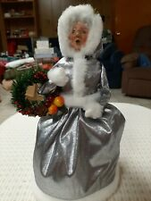 BYERS CHOICE 2003 SILVER ANNIVERSARY MRS CLAUS WITH WREATH SIGNED BY JOYCE