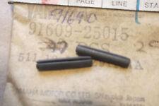 Yamaha XS650 TX650 Genuino nos Pasadores Para Perilla De Tapa Lateral - # 91609-25015