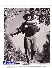 John Wayne carries barefoot Betty Field VINTAGE Photo Shepherd Of The Hills