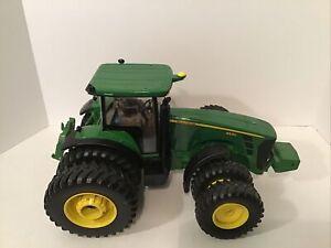 John Deere Ertl 1/16 8530 Tractor 2005 Collectors Edition...Please Read