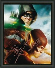 THE FLASH & THE ARROW - A4 SIGNED BY BOTH AUTOGRAPHED PHOTO POSTER FREE POST