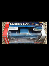 1961 Pontiac Catalina  BLUE 1:18 Auto World 1080