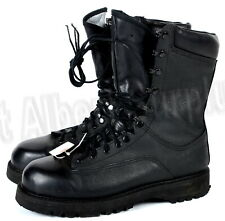 CANADIAN ARMY GORETEX BOOTS - SIZE 8.5 WIDE - WATERPROOF - 2450R22A