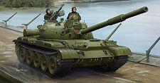 Carro Russian T-62 Mod.1975 Mod.1972 + KTD2 Tank Plastic Kit 1:35 Model 1552