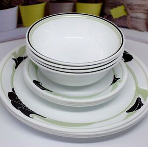 Corelle by Corning - BLACK ORCHID - 12 Piece Dinner Set  -  Exc. Cond.