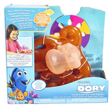 Bandai Finding Dory Change and Chat Hank (changes colour) Age 4+