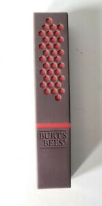 BURTS BEES 100% Natural Moisturizing Satin Lipstick #520 Scarlet Soaked NEW