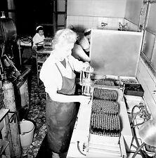 NANTERRE c. 1960 - Laboratoire Fraysse Les Ampoules  - Négatif 6 x 6 - N6 IDF33