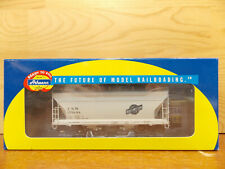 Athearn RTR CNW ACF 2970 2 bay covered hopper car