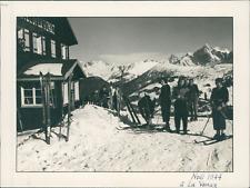 France, Noël 1944. A La Venaz (Haute Savoie)  Vintage silver print.  Tirage ar