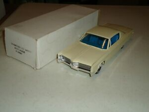 1/25 JOHAN 1968 CHRYSLER 300 HARDTOP X-EL REISSUE PROMO WITH BOX