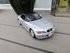 1/18 UT models BMW  Z 3 IN SILVER GREY ARSBIAN CAR NICE   NO BOX