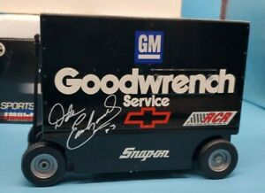 NASCAR Diecast 1:16 Dale Earnhardt GM Goodwrench Snap-On Pit Wagon Bank Action