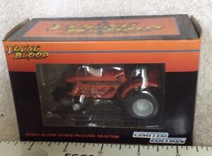 Allis-charmers Young Blood Pulling Tractor Nice Detail In 1/64 Scale New In Box.
